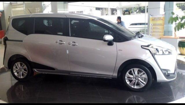 Toyota Sienta G MT